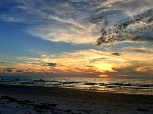 sunset sand key clearwater beach